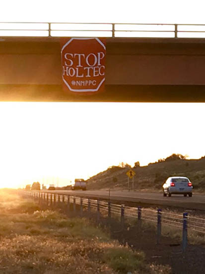 Stop Holtec sign